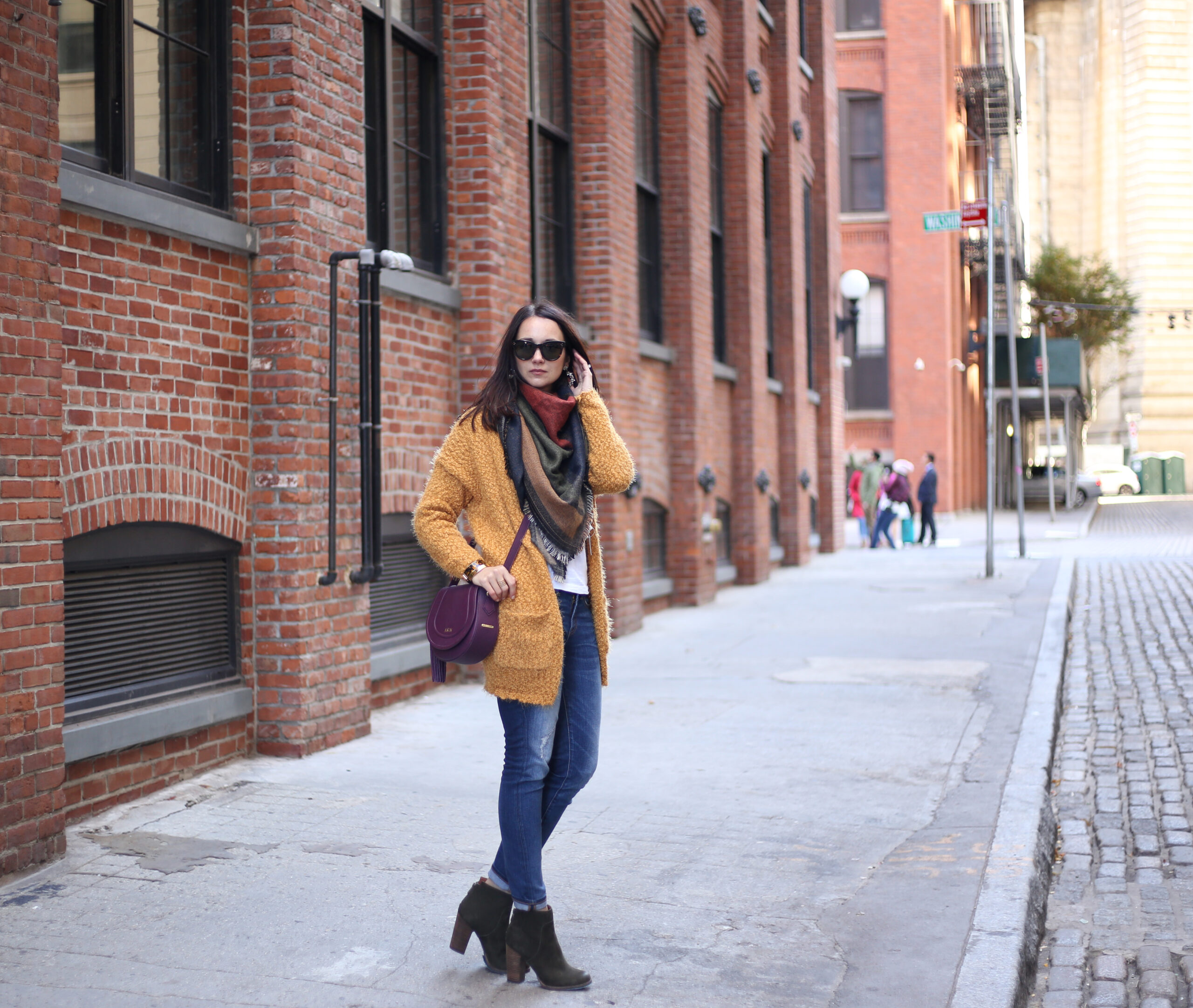 fall casual outfit cardigan and scarf