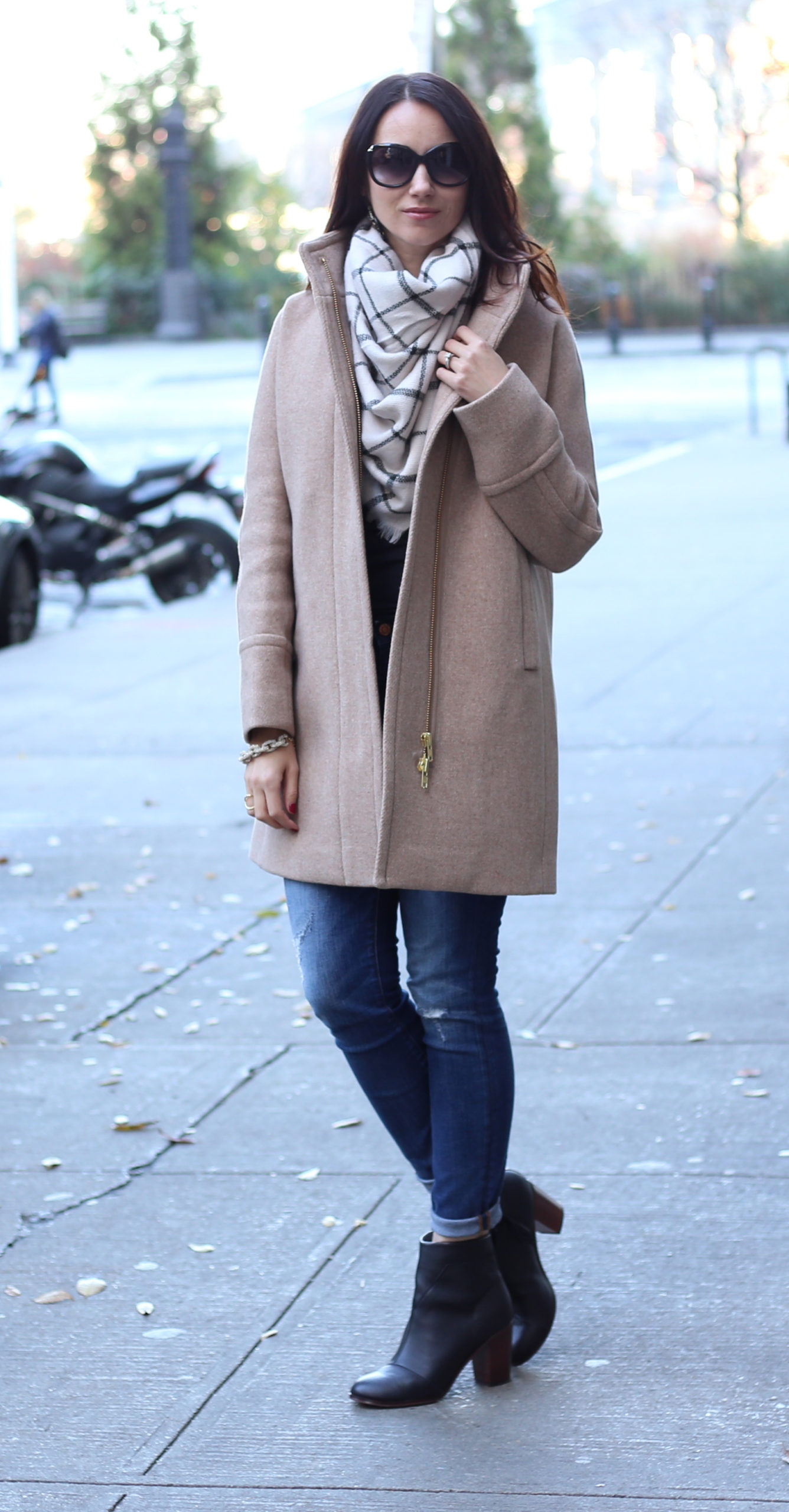 Anna Monteiro of Blushing Rose Style wearing J.Crew cocoon coat, Nordstrom BP scarf and Toms Lunata booties