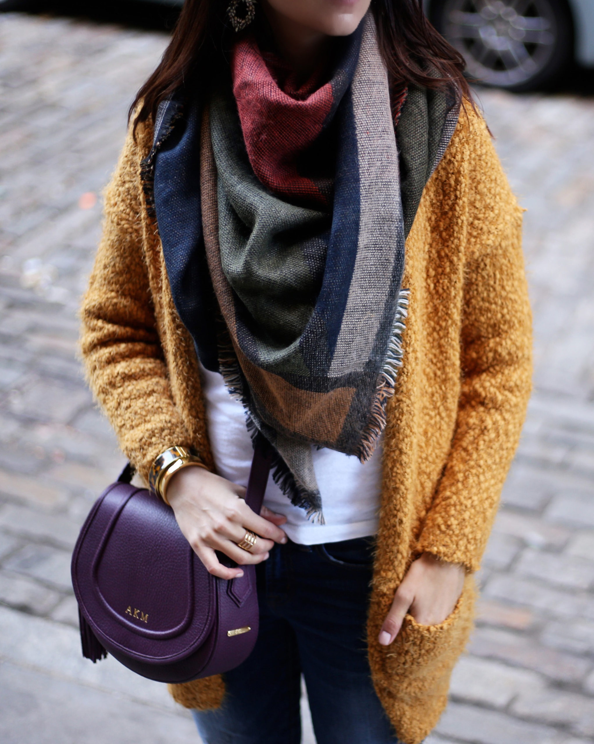 blogger anna monteiro of blushing rose style blog wearing BP blanket scarf, yeollow open front cardigan and Gigi new York crossbody bag