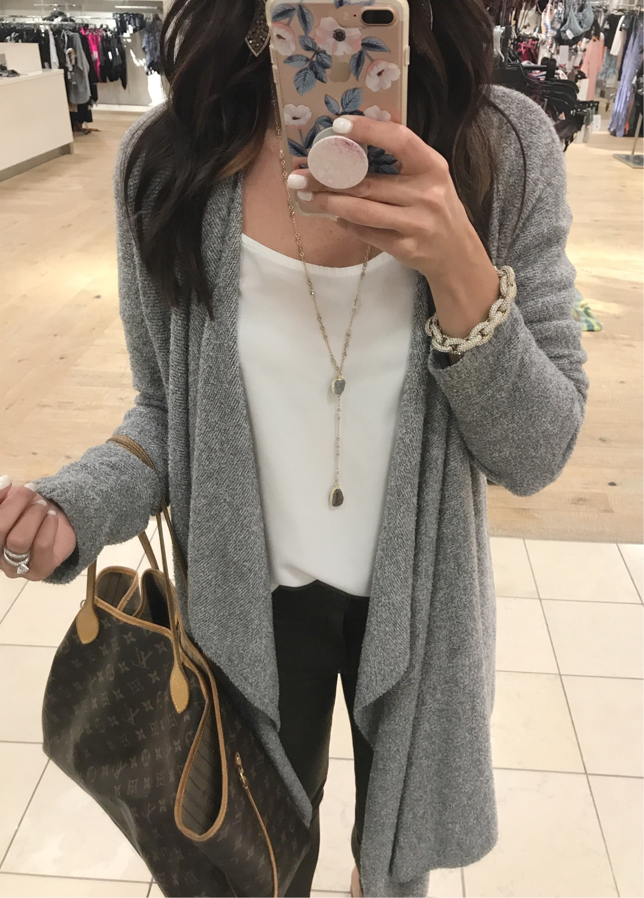 Anna Monteiro of Blushing ROse Style wearing nsale back in stock cardigan from Nordstrom Anniversary Sale 2017