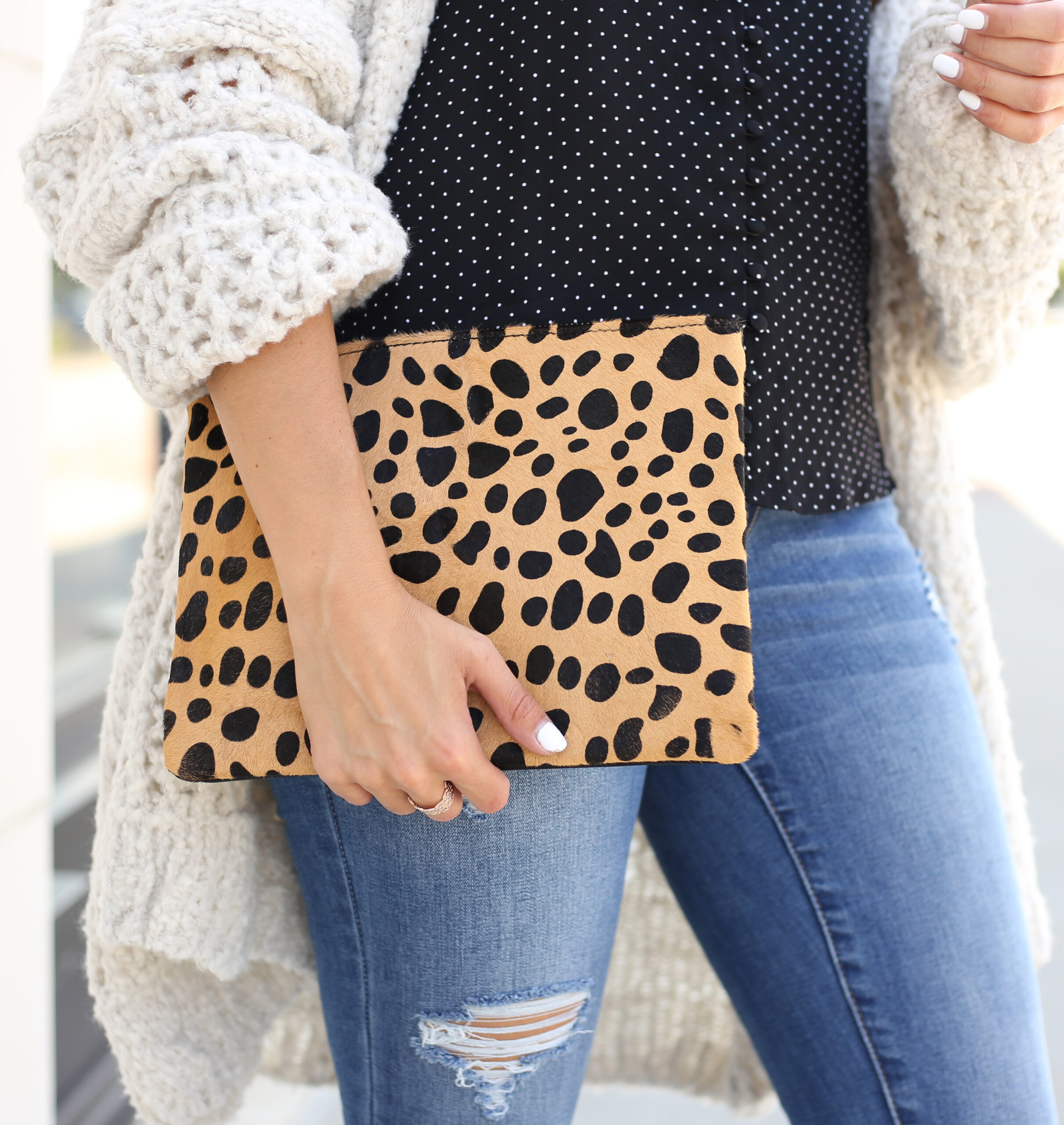 blogger Anna Monteiro of blushing rose style blog wearing BP leopard clutch from Nordstrom in fall wardrobe update