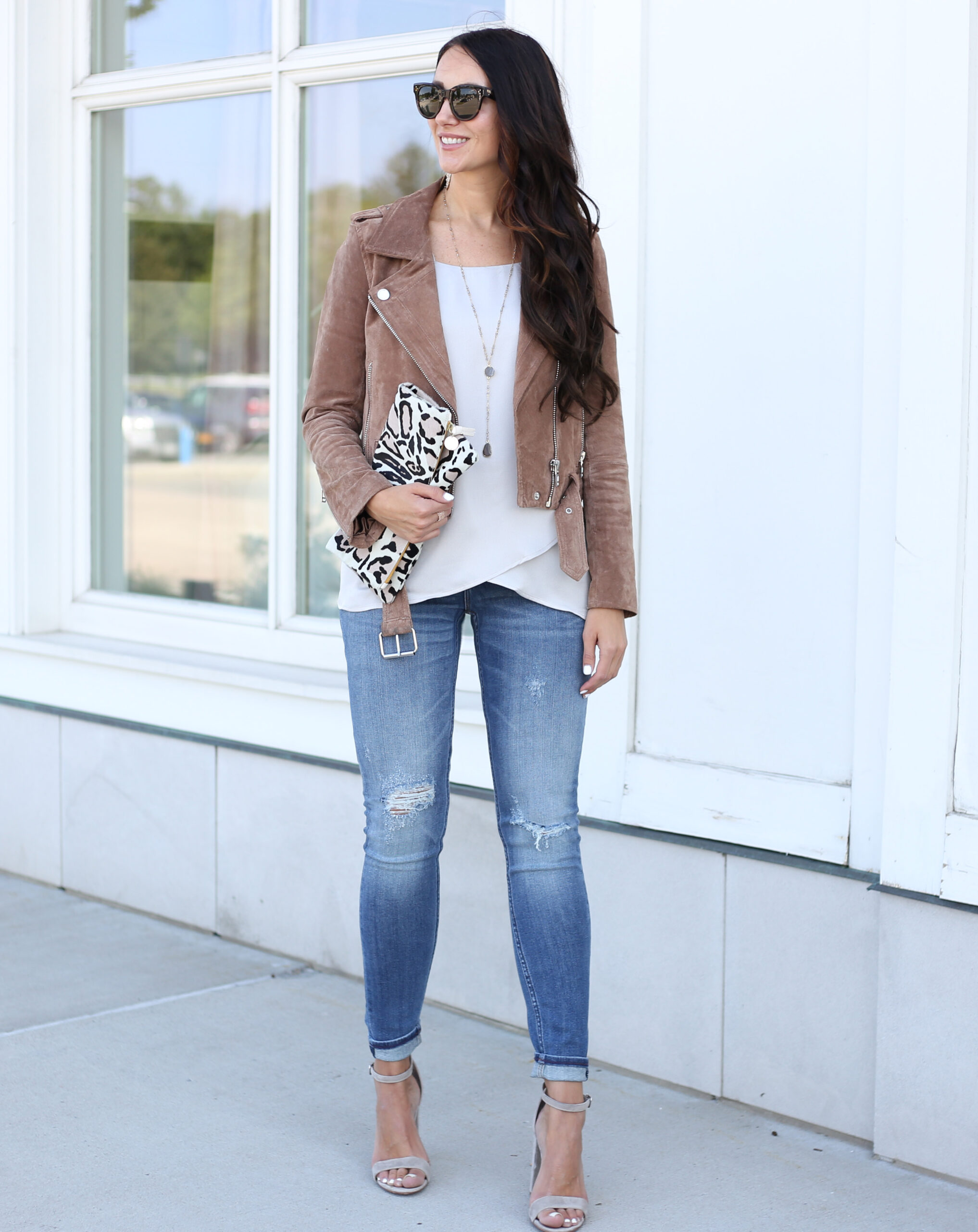 blogger Anna Monteiro of blushing rose style blog wearing blanknyc suede moto jacket and skinny jeans from nordstrom in fall wardrobe update