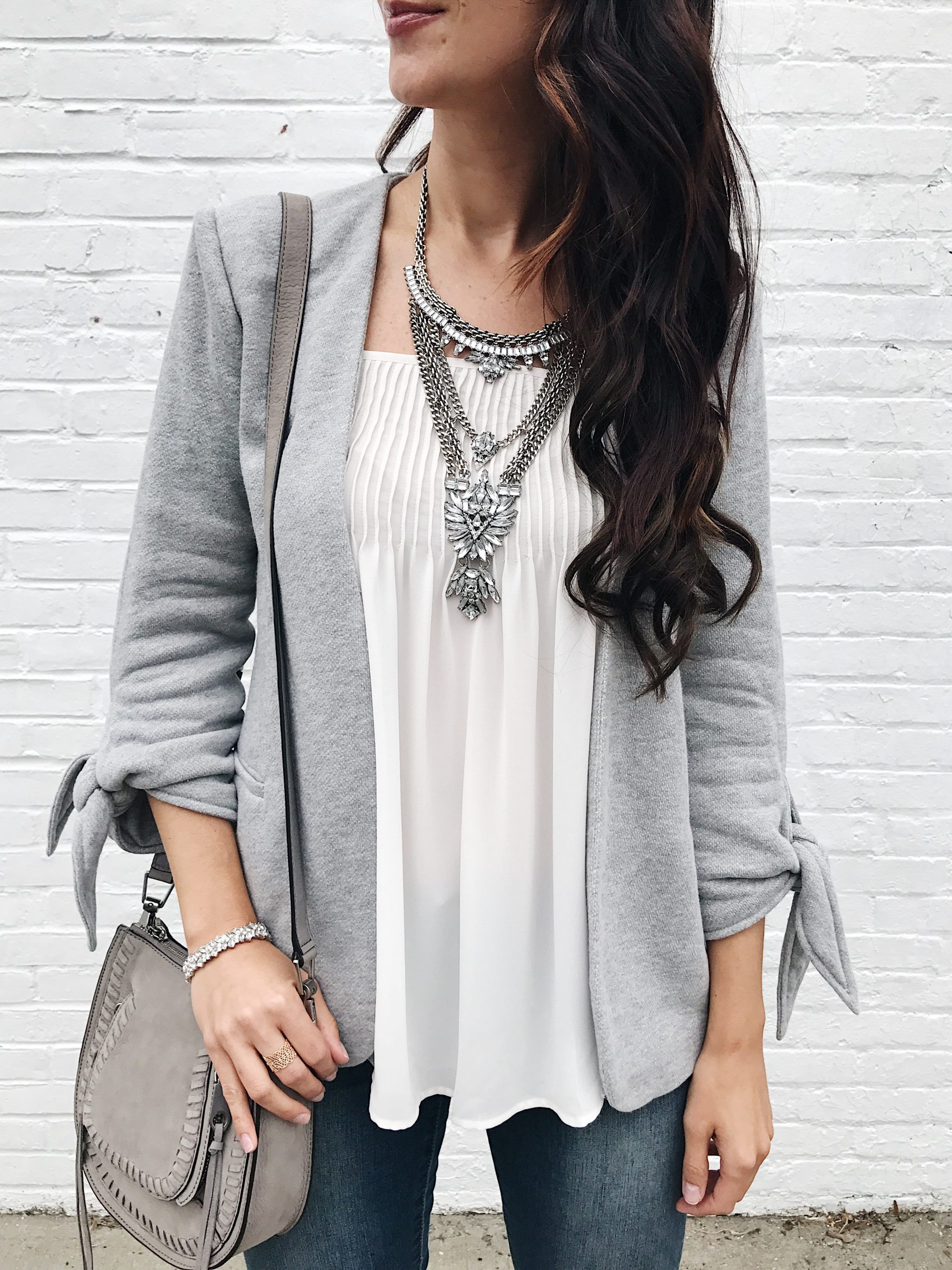 blogger Anna Monteiro of Blushing ROse Style wearing Fall Outfits grey knit Olivia Moon blazer, bauablebar necklace and LOFT camisole