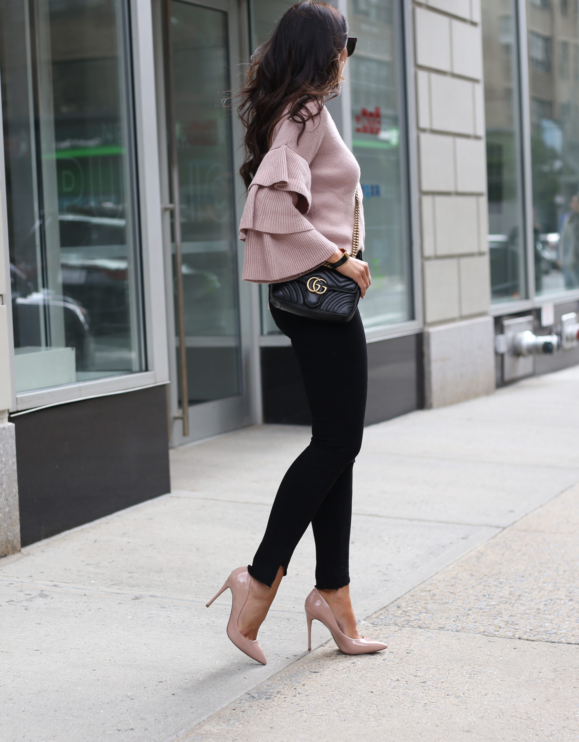 blogger Anna Monteiro of Blushing ROse style blog wearing paige denim from nordstrom in great pair of jeans