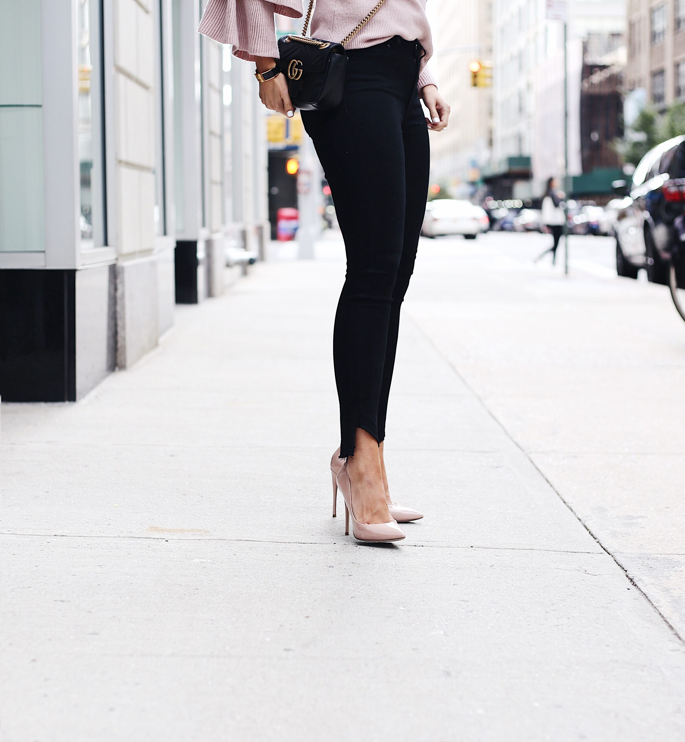 blogger Anna Monteiro wearing great pair of jeans PAIGE denim from nordstrom