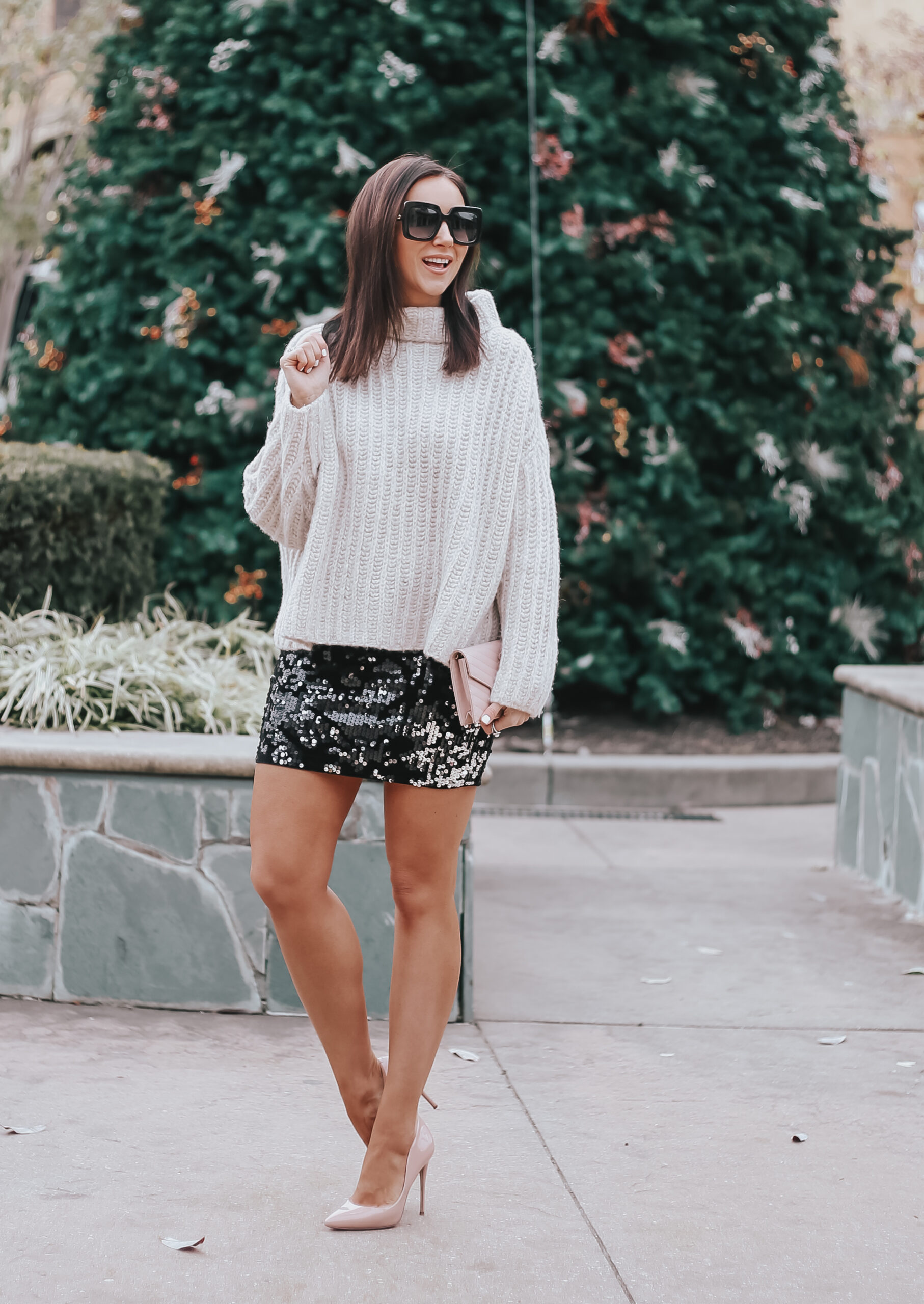 how to style short sequin skirt for the holidays, sequin mini skirt and chunky sweater outfit