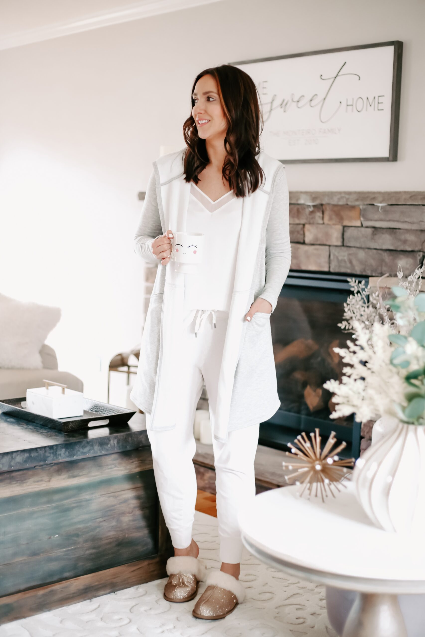 cozy loungewear outfit, cute jogger pants outfit