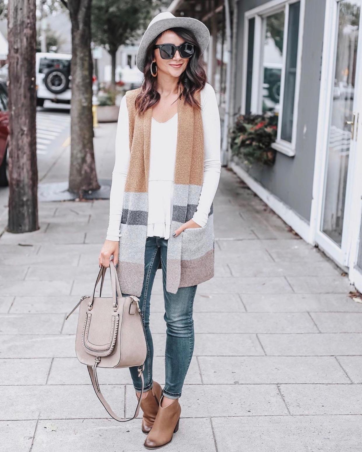 Colorblock sweater vest, Fall Outfit Idea, Jeans