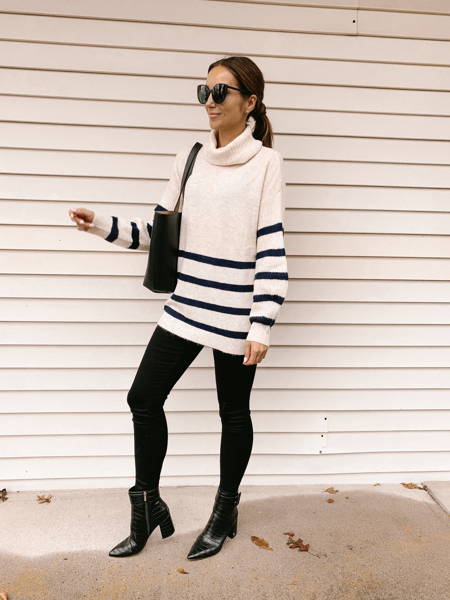 Striped sweater, jeggings, booties, totes