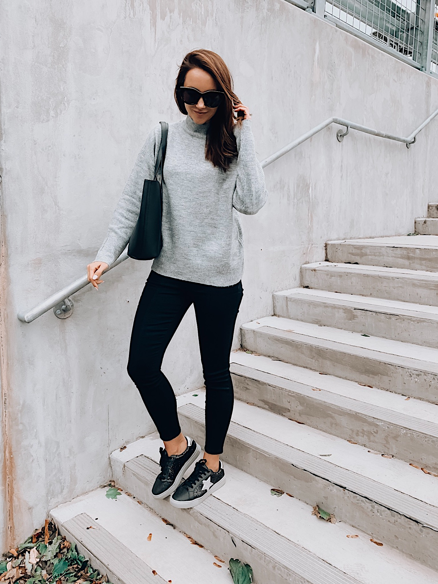SWEATER,JEANS, SNEAKERS