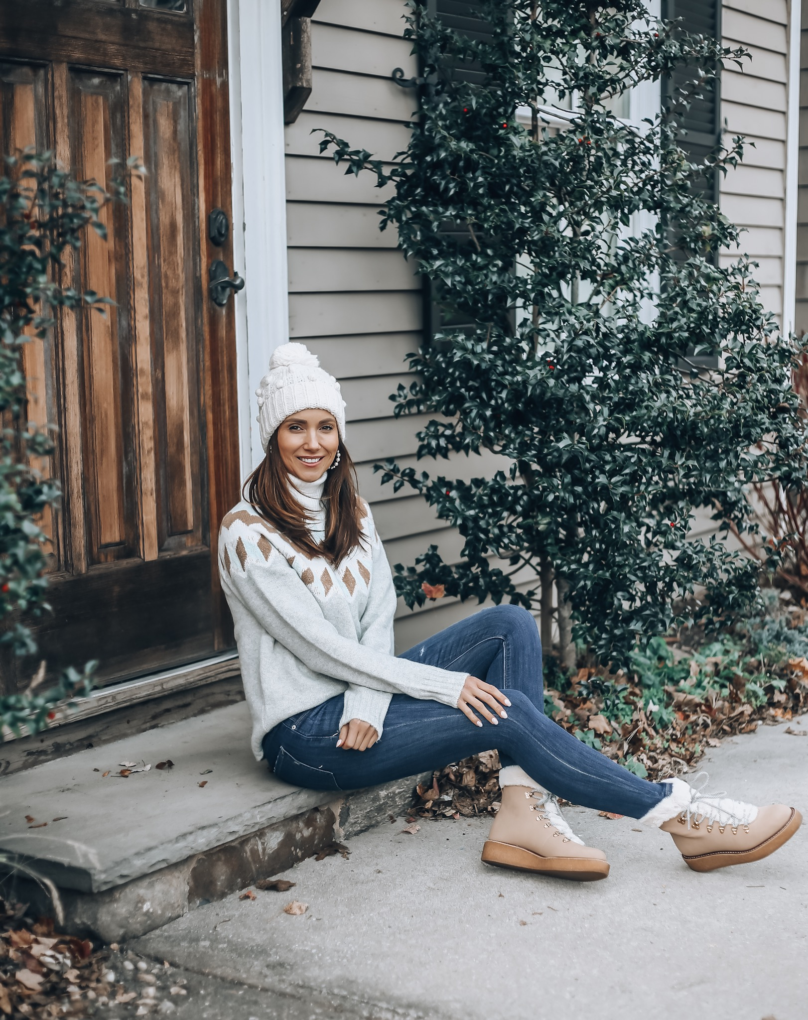 Sweater, Jeans, Beanie, Boots