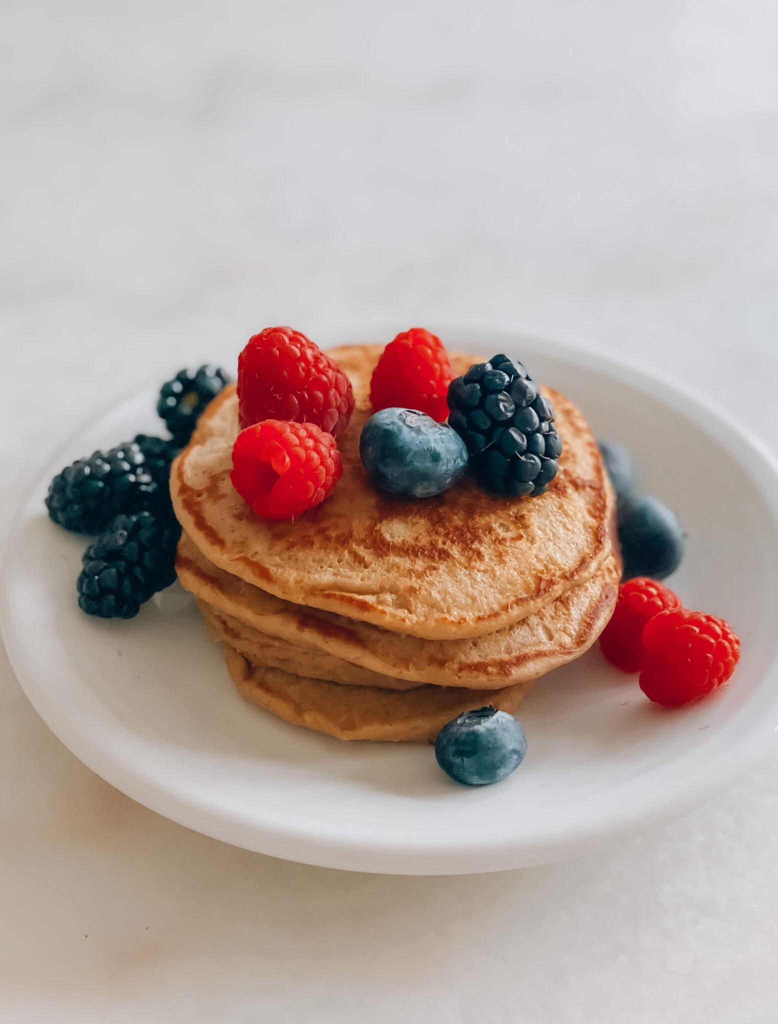 blender banana oatmeal pancakes