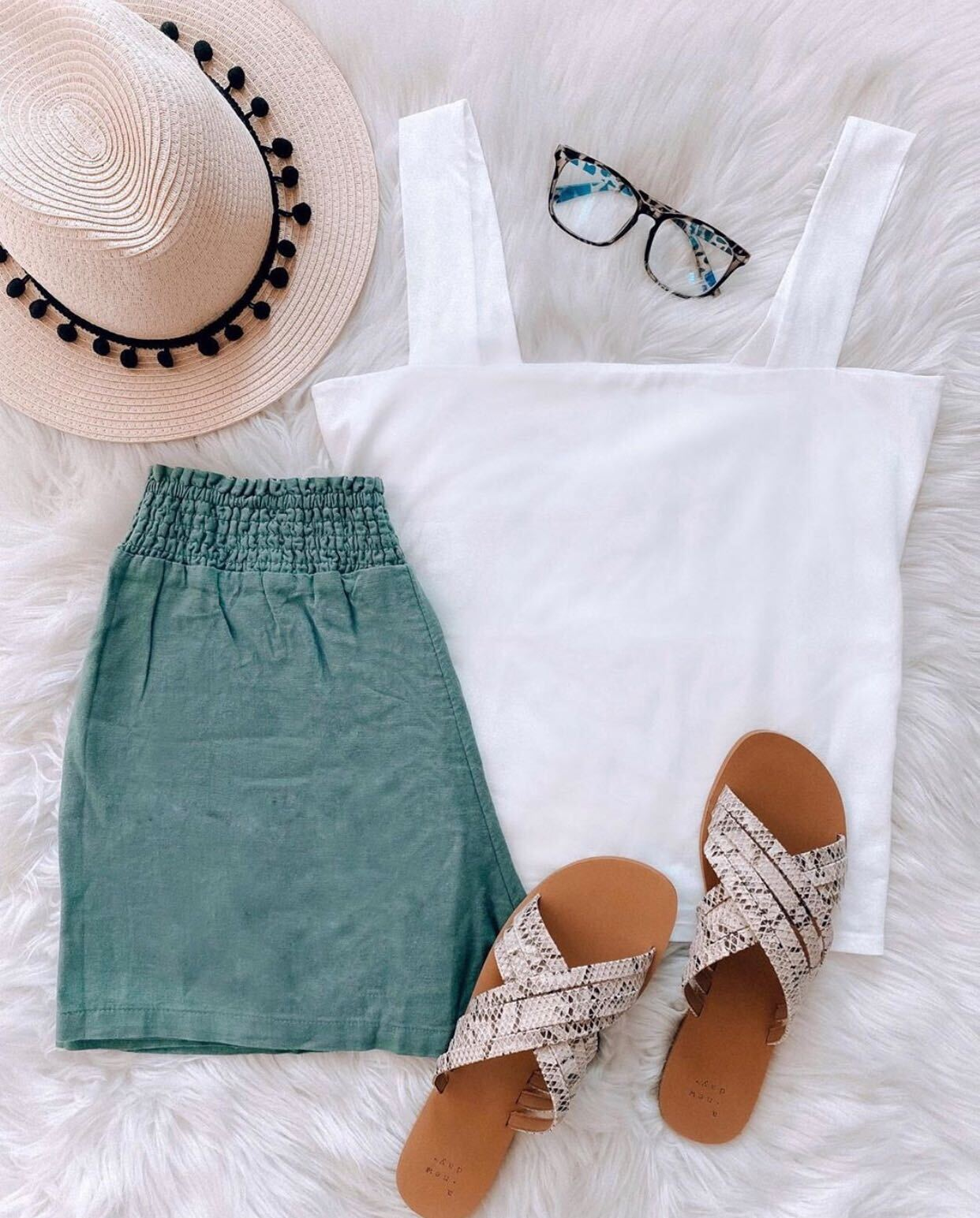 35 Outfit Ideas With Shorts