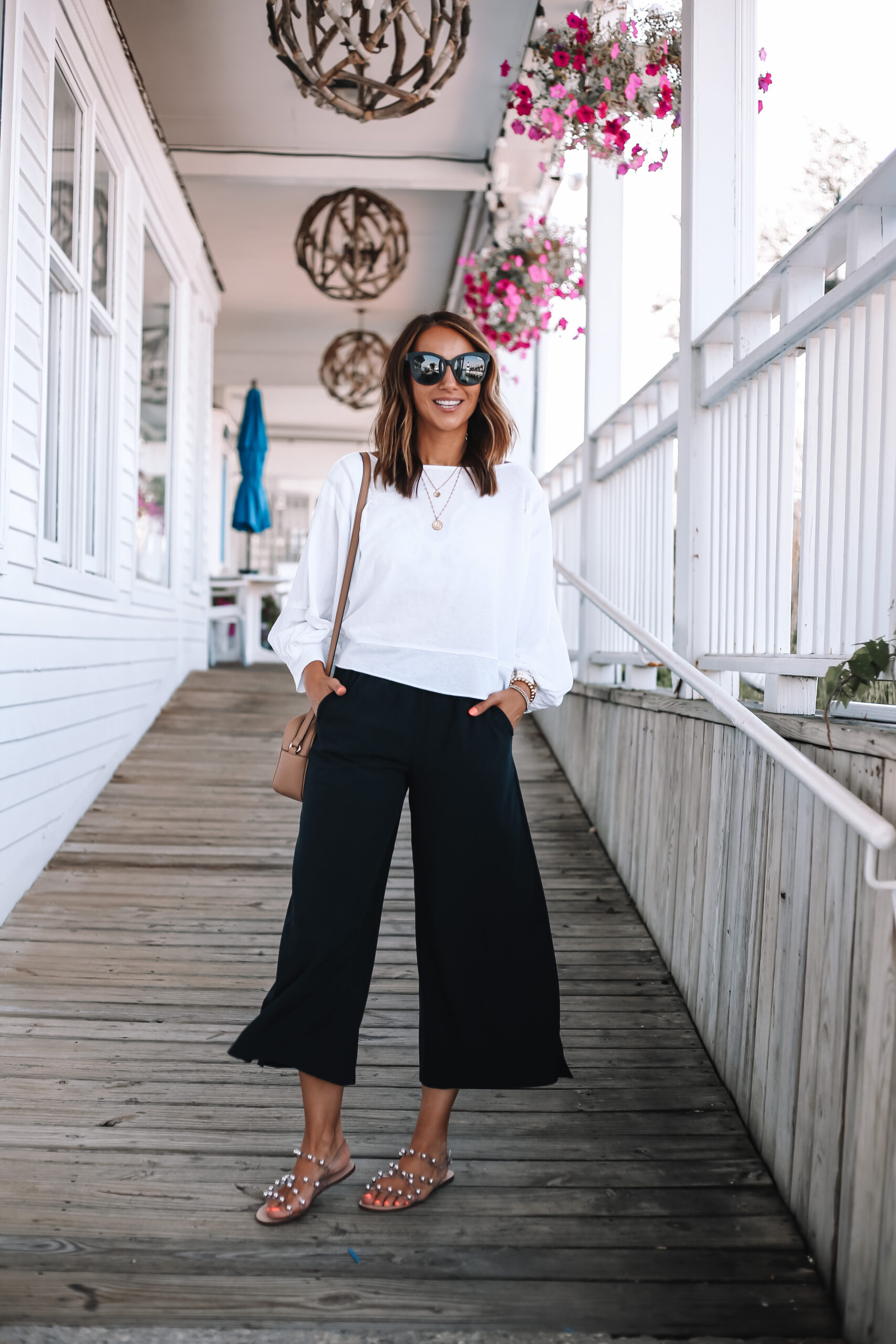 summer outfit with wide leg pants