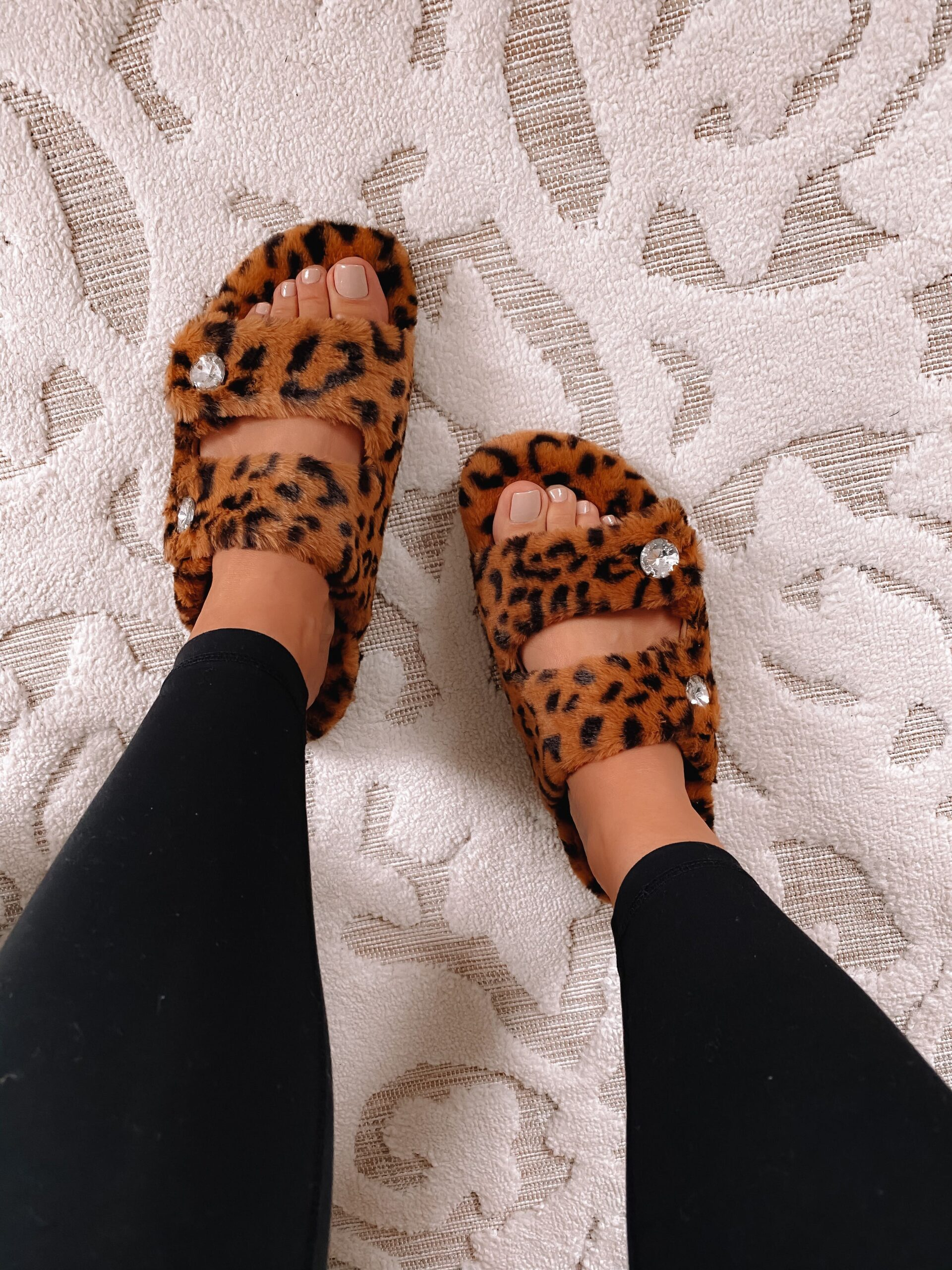 nsale slippers