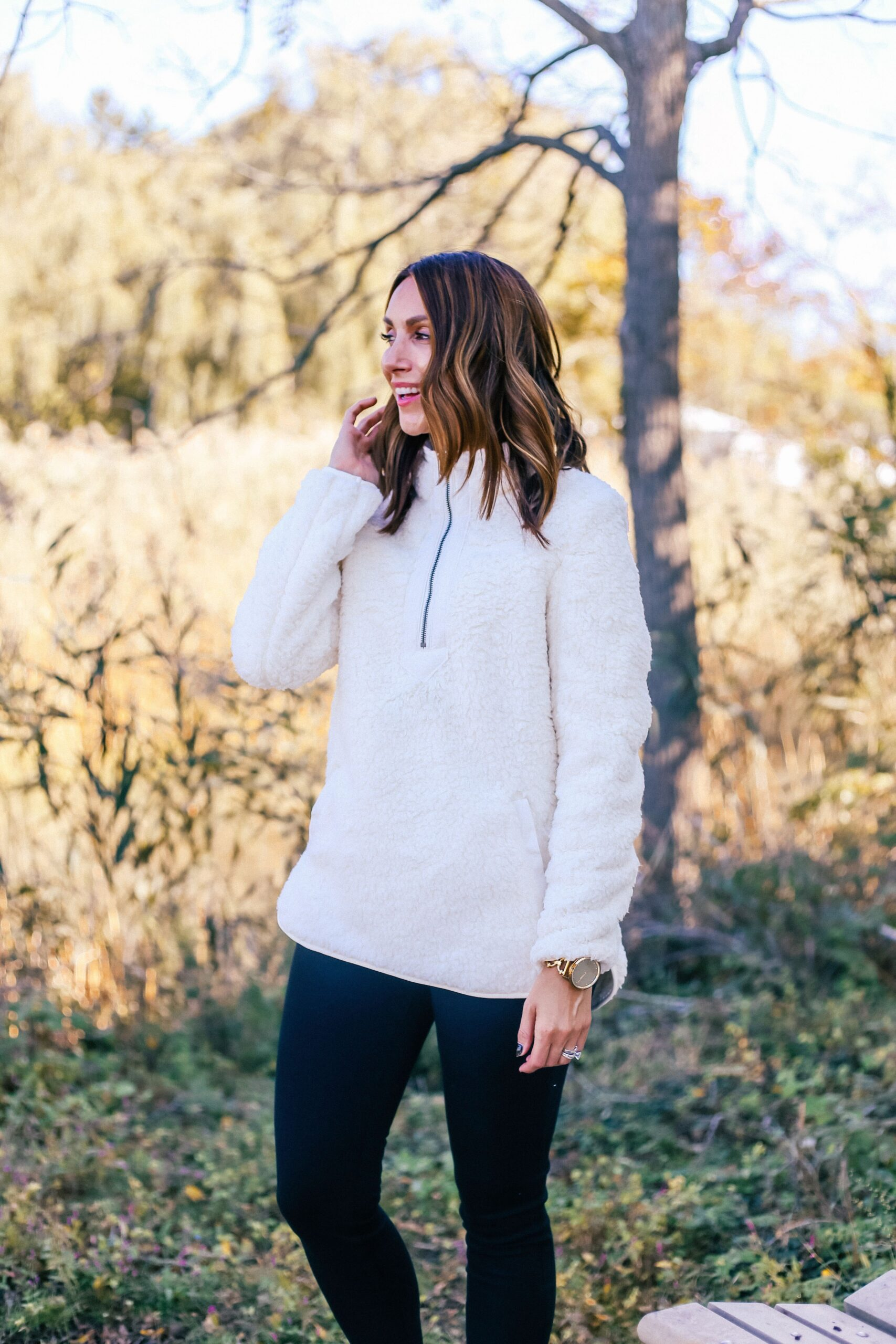 affordable fall outfit, walmart sherpa, black jeggings