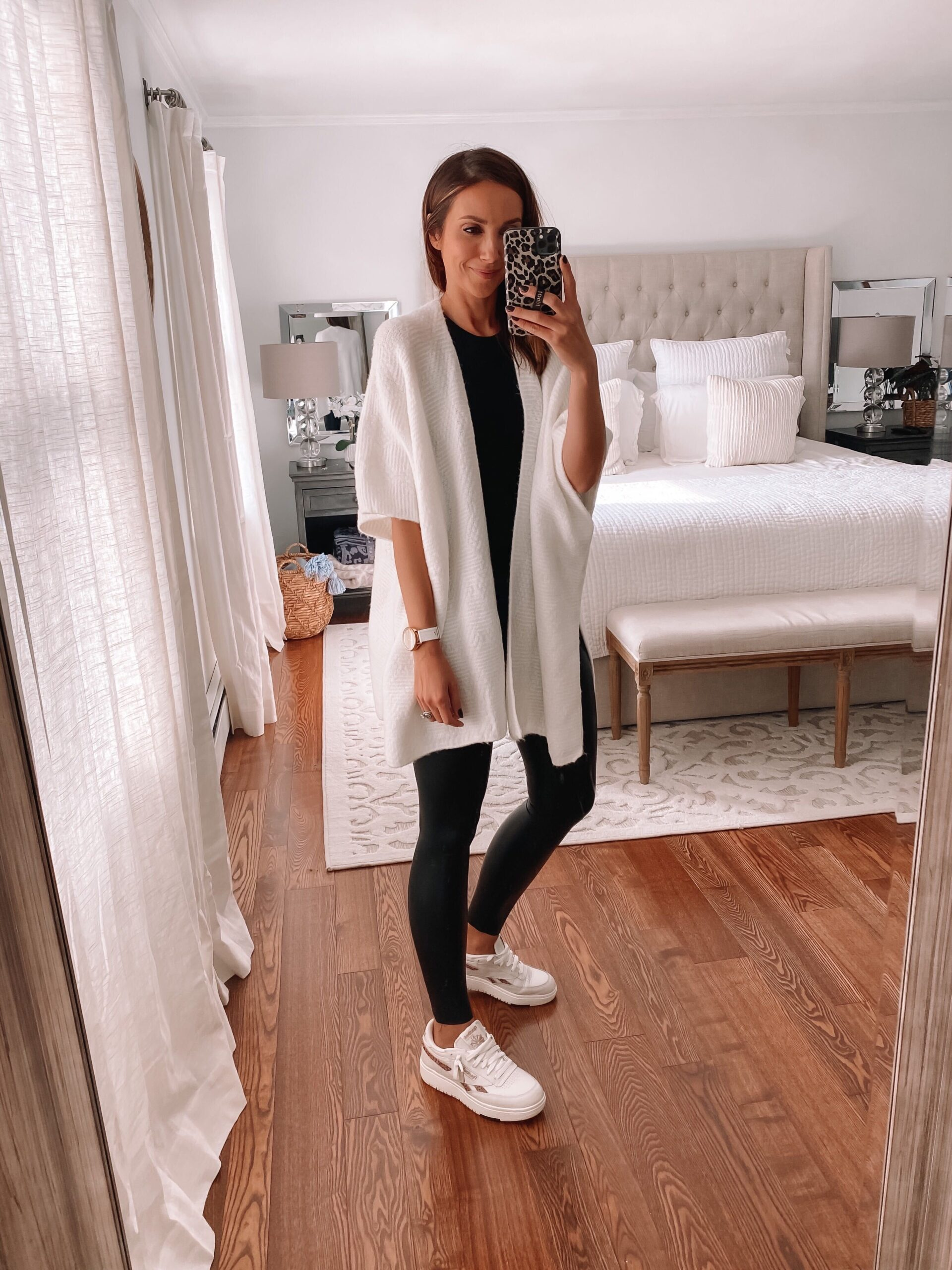 white wrap with leggings, casual outfit idea