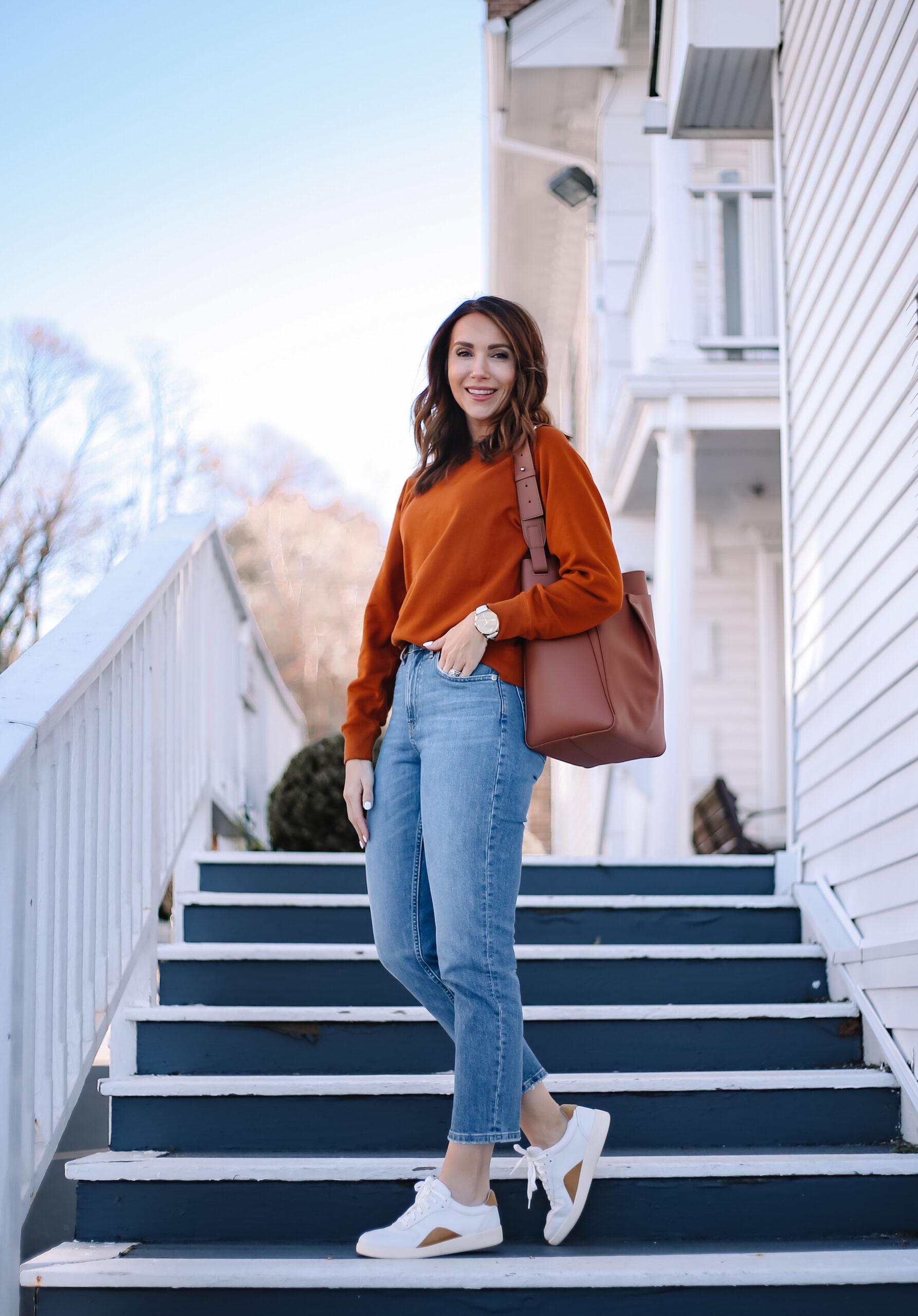 everlane jeans, sweatshirt, weekend style