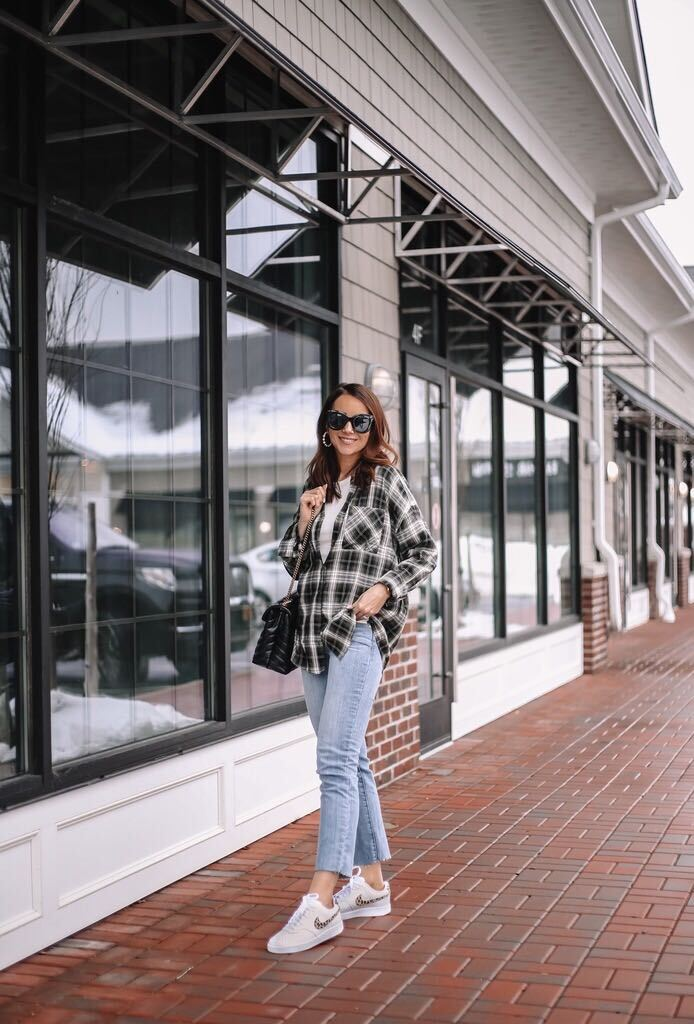 Plaid top, jeans and sneakers