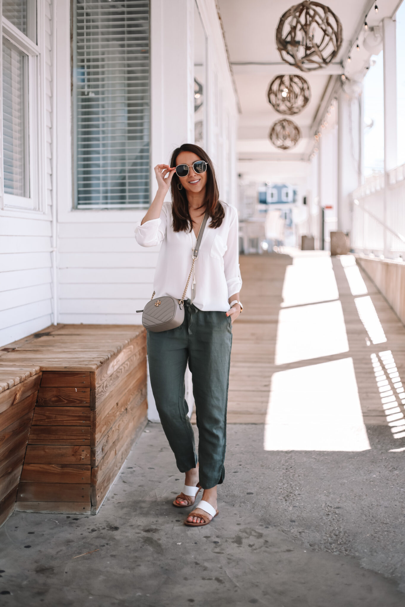 spring out with linen pants, soludos sandals