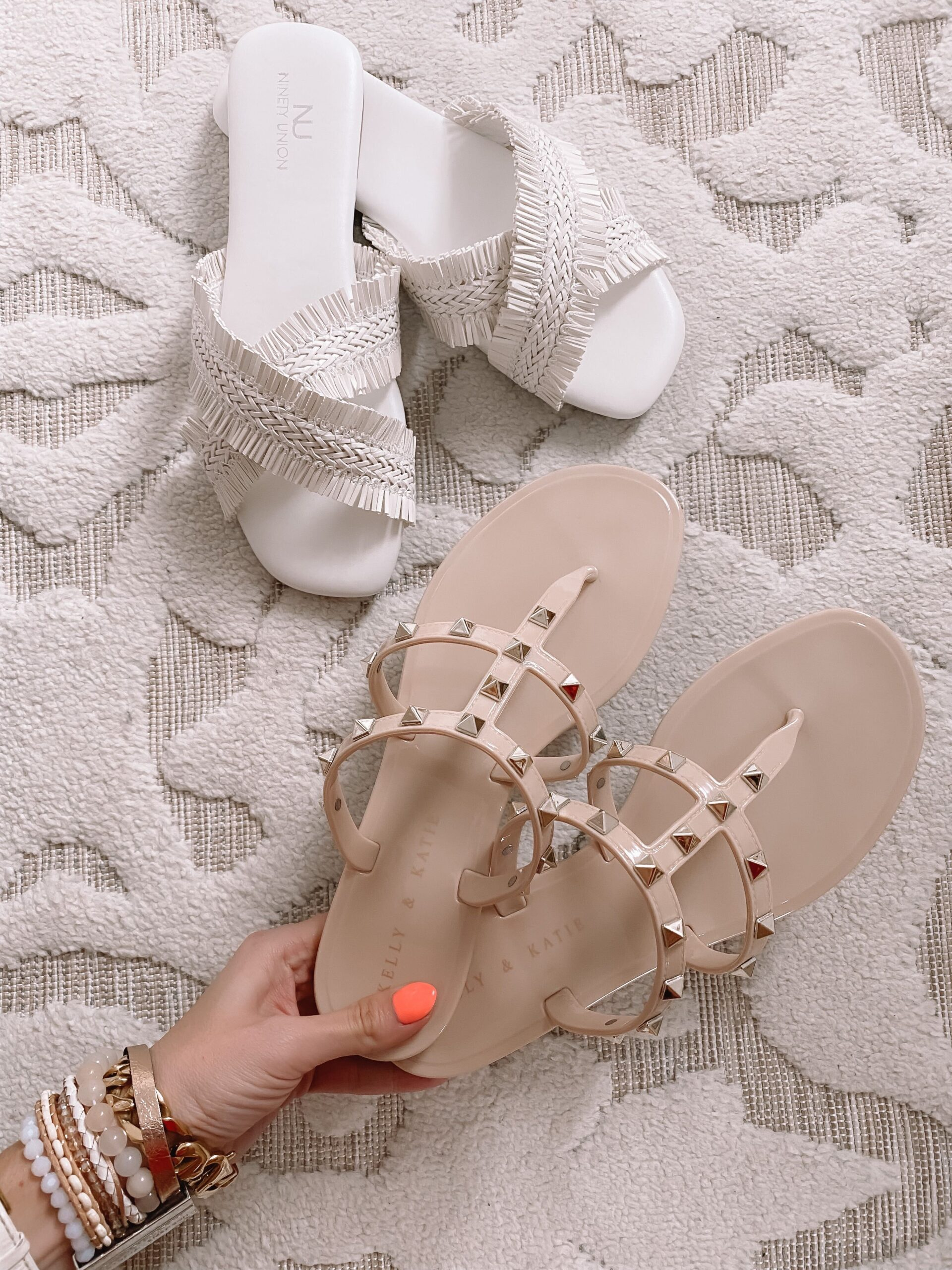 dsw jelly sandals and white sandals