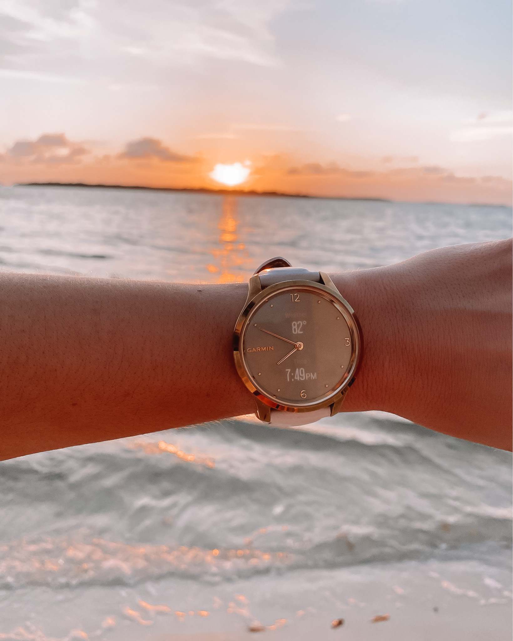 NEW Garmin Watch Review- Lily & Vivomove Luxe