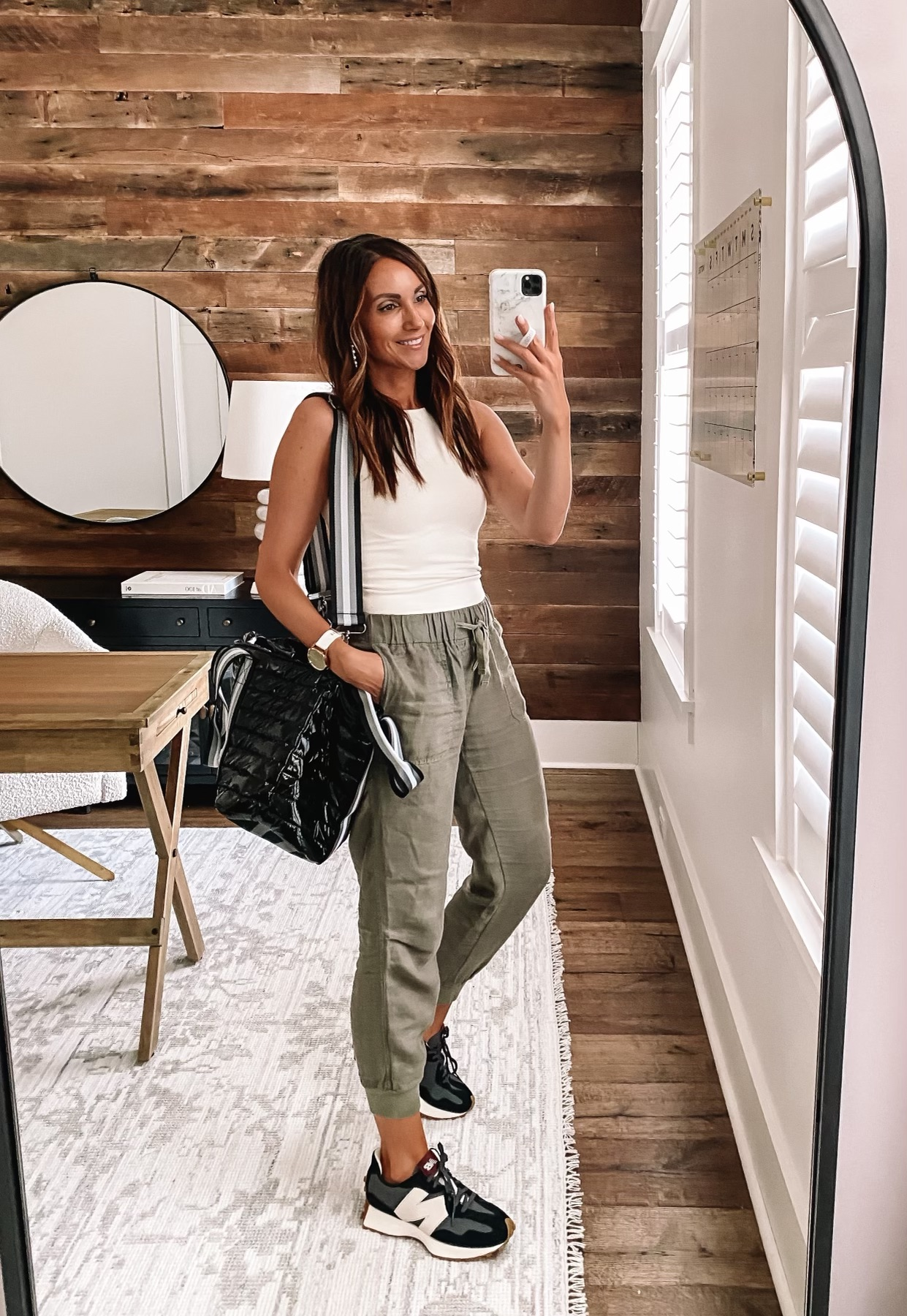linen joggers, relaxed style, weekend style
