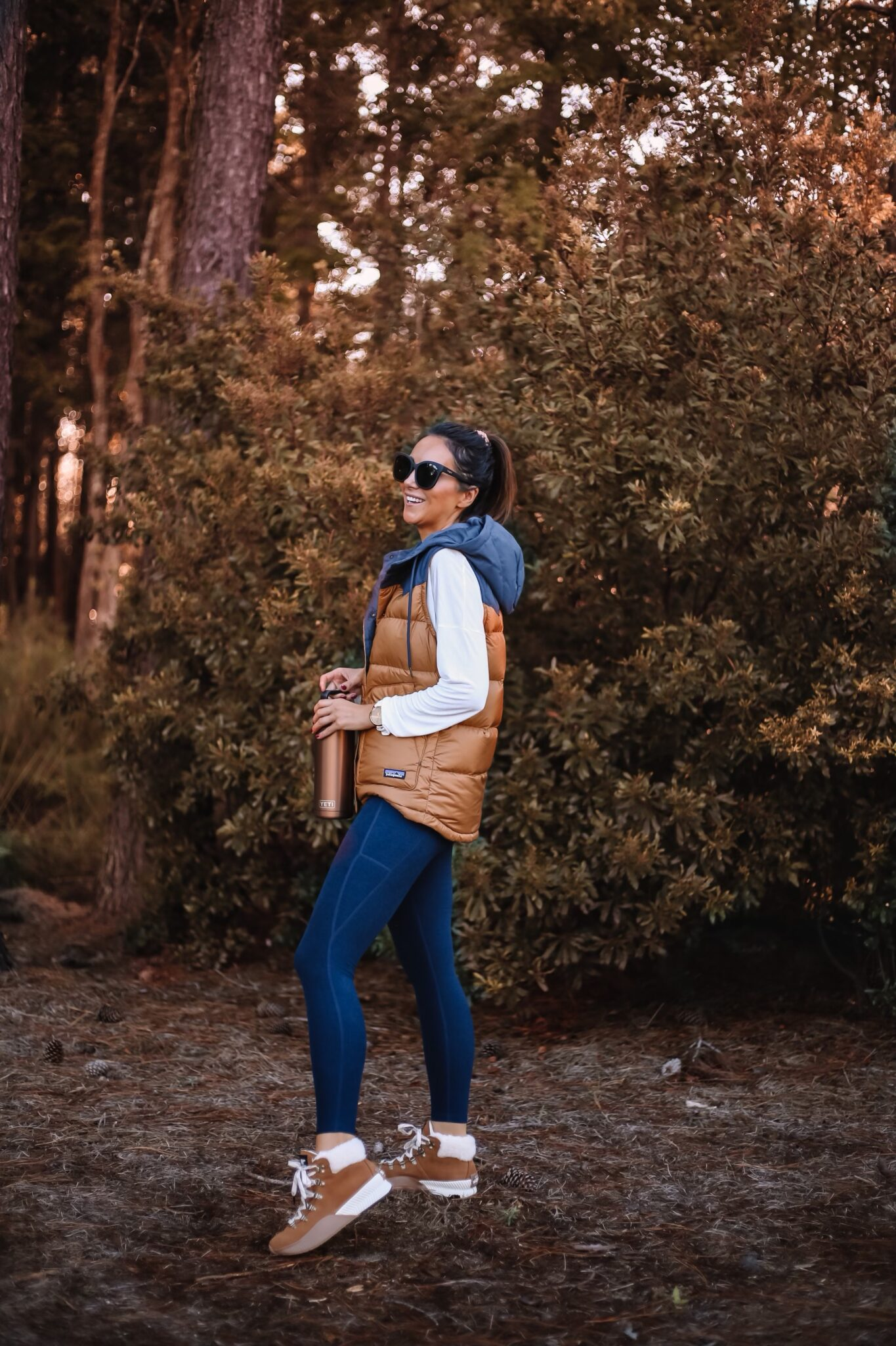 patagonia vest, leggings, sorel boots, backcountry, fall outfit